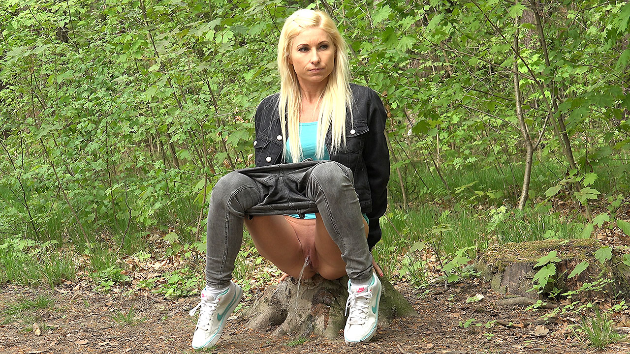 Blonde In The Woods