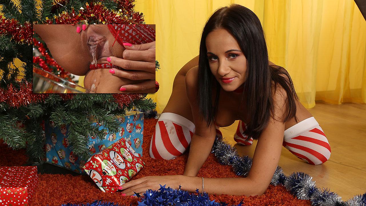 Christmas With Eveline Neill